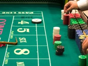 Observe How to Play Craps