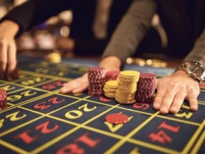 how much to bet on a Roulette